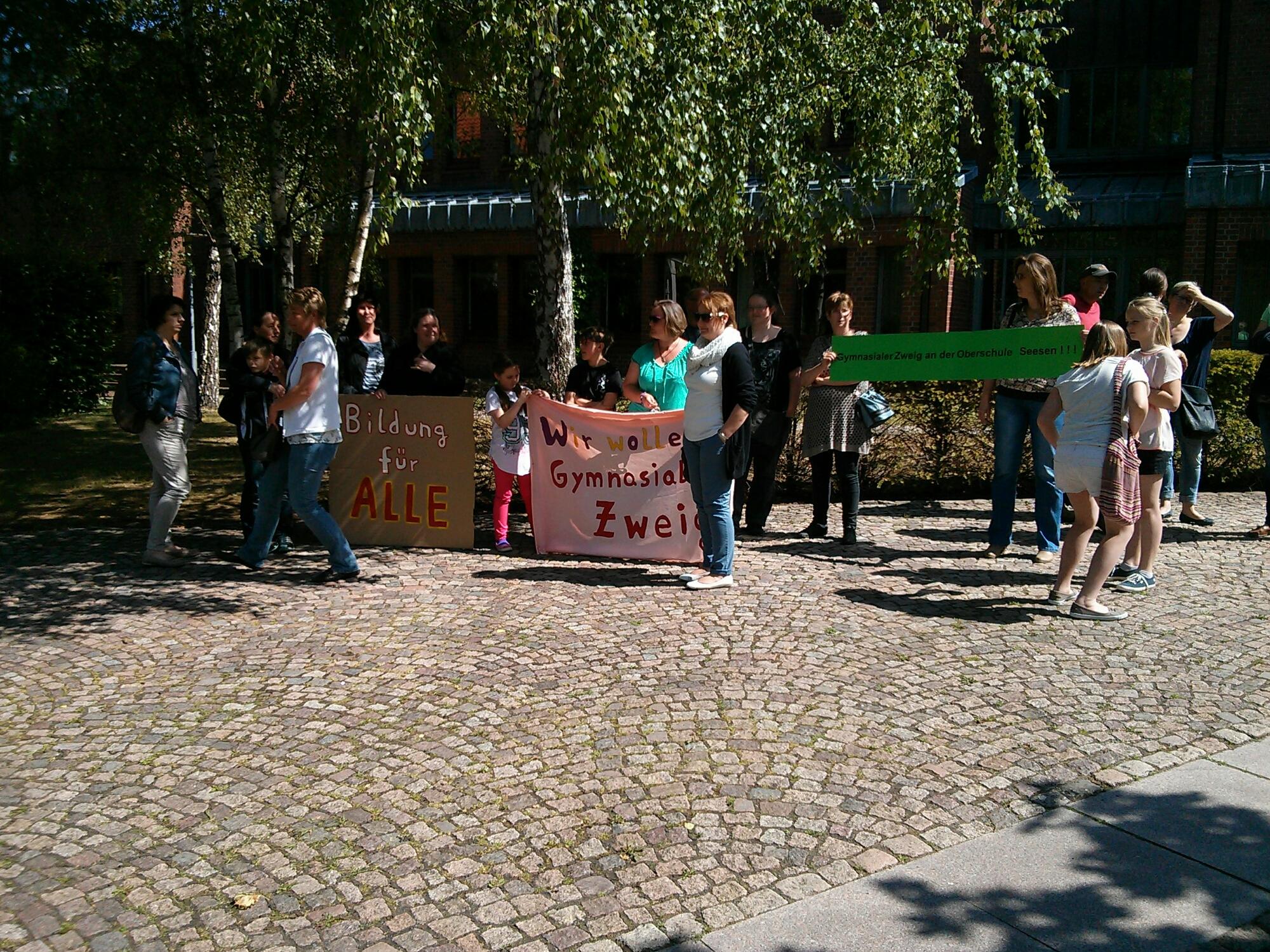 Demo vor dem Kreishaus, 15. Juni 2015