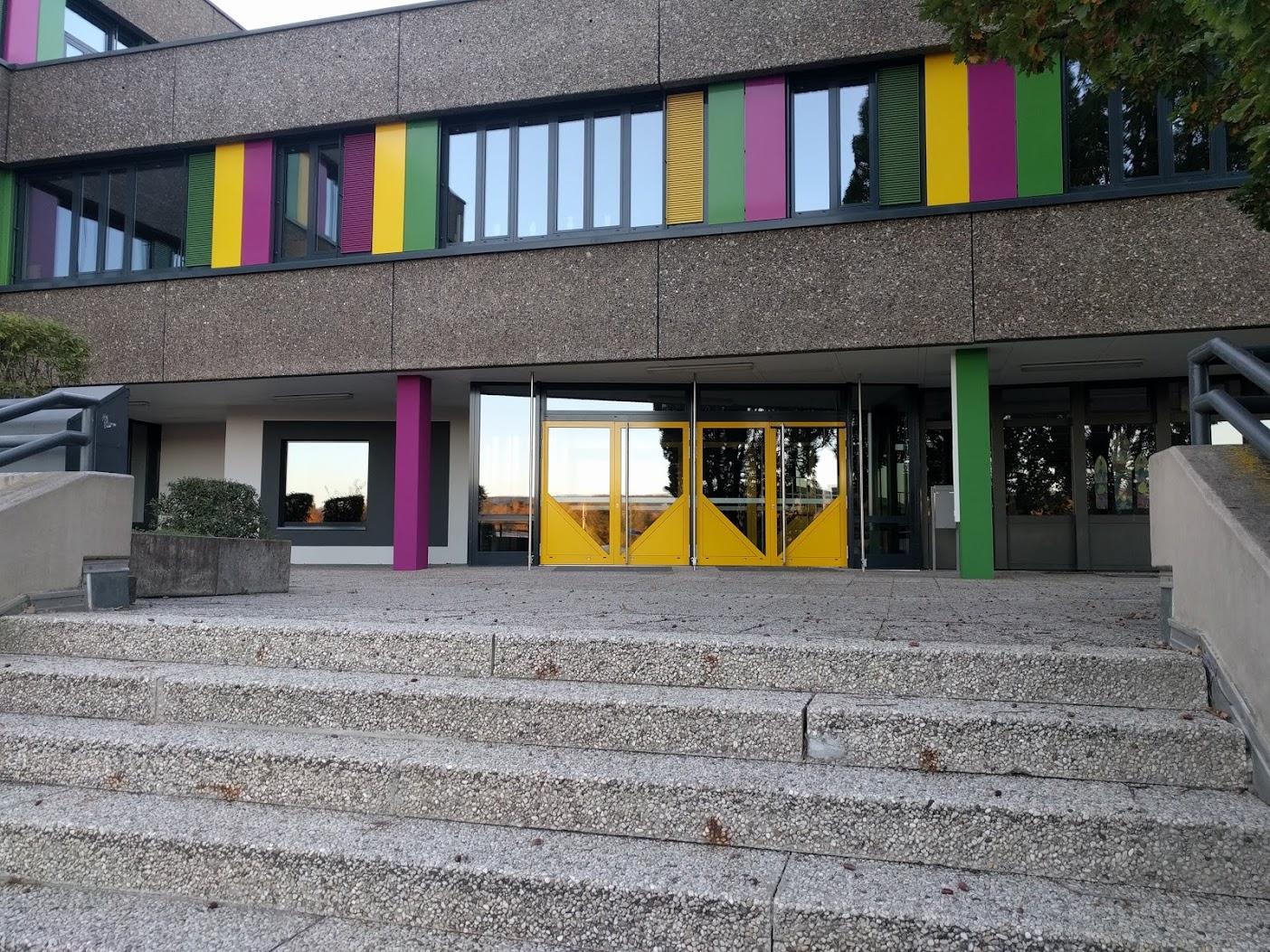 neuer Eingang 2018 von der Treppe